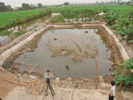 The site (fish pond) of Dong Ma Ngua. Photograph by Randall Sasaki, 2009. Images from the Bach Dang project (http://inadiscover.com/projects/all/asia_oceania/battle_of_bach_dang_survey _vietnam/introduction/